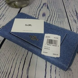🆕️COACH DENIM ACCORDION ZIP WALLET